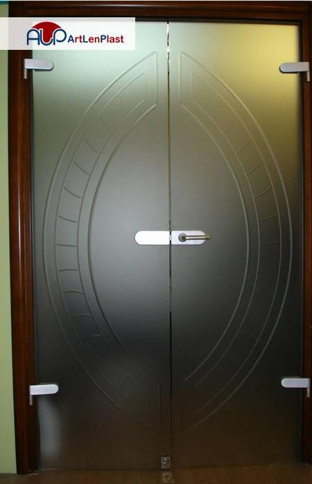 Ապակե դռներ